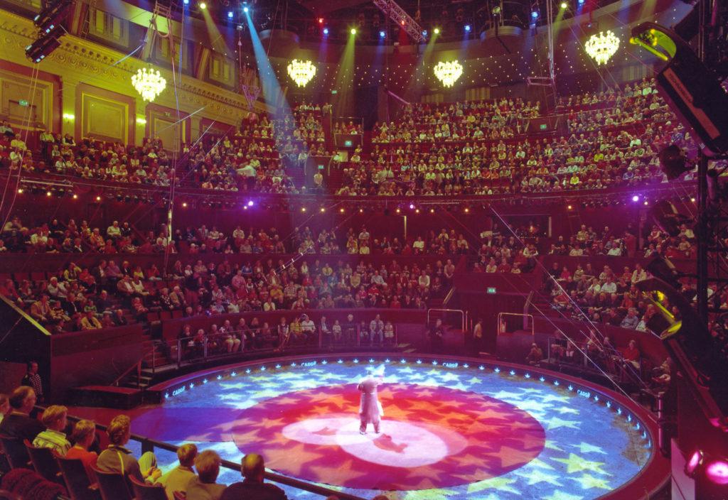 U kunt met de op maat gemaakte tour bijvoorbeeld een bezoekje brengen aan een theater.